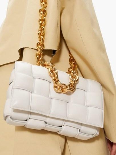 Chunky chain shoulder bag | BOTTEGA VENETA Padded Cassette Intrecciato white-leather bag | woven bags - flipped