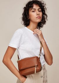 WHISTLES BIBI CROSSBODY BAG TAN / essential accessories