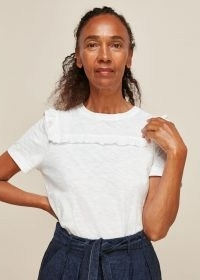 WHISTLES BRODERIE INSERT T-SHIRT / essential frill trimmed tee