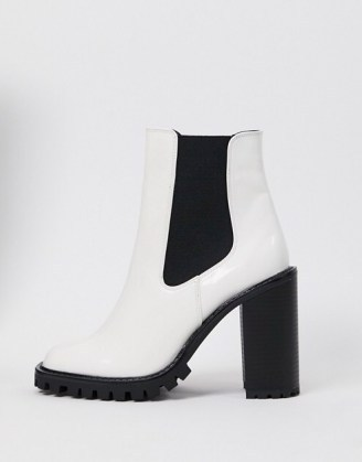 ASOS DESIGN Expect high heeled chunky chelsea boots in white – monochrome block heel boot - flipped