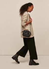 WHISTLES RIYA GATHERED BAG BLACK / side ruched leather crossbody