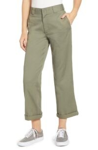 Emily Ratajkowski green trousers, DICKIES Crop Work Pants OLIVE, out at Sag Harbour, Long Island, 6 August 2020 | casual celebrity street style clothing