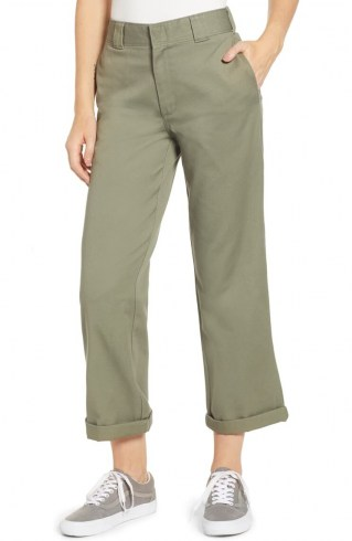 Emily Ratajkowski green trousers, DICKIES Crop Work Pants OLIVE, out at Sag Harbour, Long Island, 6 August 2020   casual celebrity street style clothing