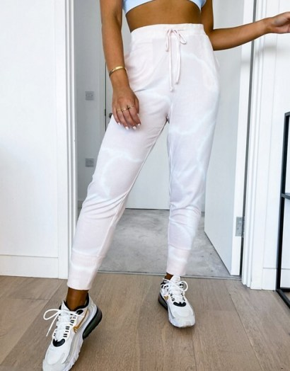 Gilly Hicks cosy jogger in pink – tie dye joggers