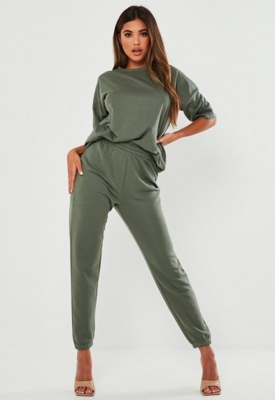 Missguided green t shirt and joggers co ord set – jogger and tee co-ords – loungewear sets - flipped