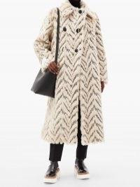 STELLA MCCARTNEY Kira double-breasted faux-fur coat – glamorous winter coats – 70s zig zag designs – vintage look outerwear