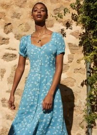 WHISTLES SILK ISLAND DRESS / blue printed puff sleeve dresses