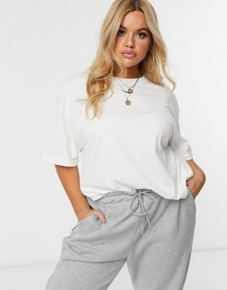 Nike Plus central swoosh oversized t-shirt in white – comfortable fashion for larger women - flipped