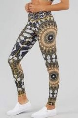 WOLVEN Noor Legging | printed leggings | retro printed sustainable clothing | casual fashion | fitness pants