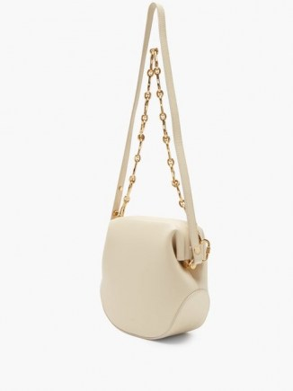 OSOI Toast Brot two-strap leather shoulder bag / cream chain strap bags - flipped