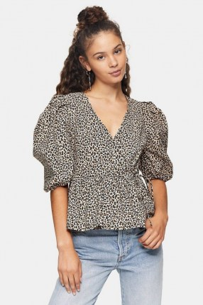 TOPSHOP Animal Print Puff Sleeve Wrap Blouse / wild cat prints / blouses with volume sleeves