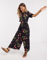 ASOS DESIGN tea jumpsuit with button back detail in floral print / wide leg jumpsuits