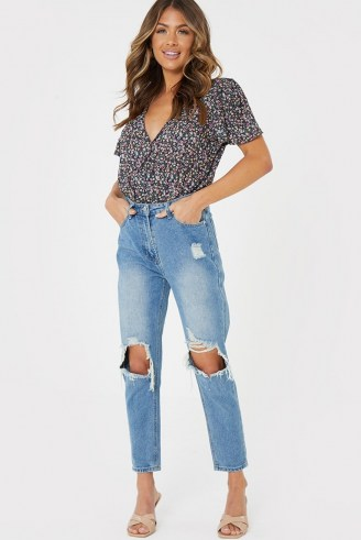 JAC JOSSA BLUE WASHED EXTREME RIPPED KNEE MOM JEANS   destroyed denim   celebrity fashion collaborations - flipped