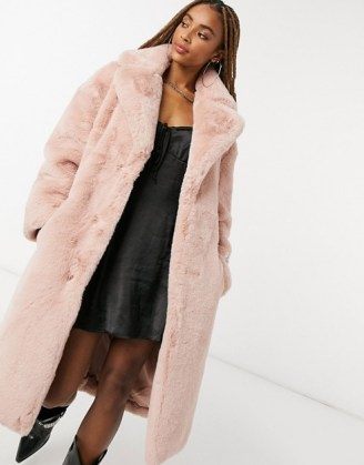 Jakke longline faux fur coat in pink recycled polyester with belt / luxe style winter coats - flipped