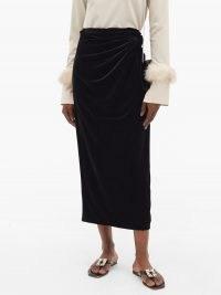 16ARLINGTON Moriyo draped-velvet pencil skirt | black side gathered skirts