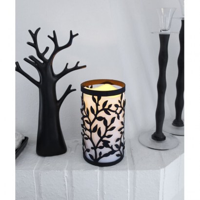 Flameless Candle by The Party Aisle – love the silhouette design