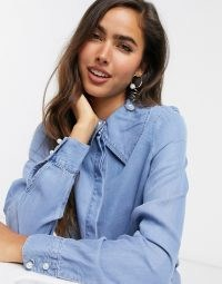 Vero Moda denim shirt with oversized collar and pearl buttons in blue – pointed collars