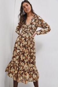 ANTHROPOLOGIE Willow Midi Dress ~ 70s style floral dresses ~ metallic details