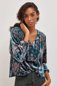 ANTHROPOLOGIE Faustine Velvet Peasant Blouse / blue floral blouses