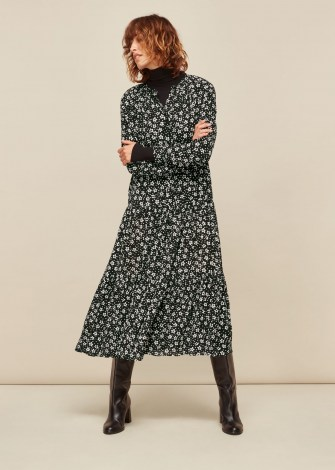 WHISTLES DAISY SPOT TRAPEZE DRESS BLACK and WHITE / floral dresses