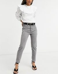 In The Style x Jac Jossa mom jeans in grey