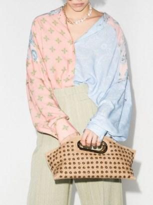 Khaore appliqué detailed clutch – small handbags
