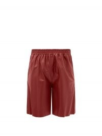 16ARLINGTON Mandrake elasticated-waist leather wide-leg shorts in burgundy