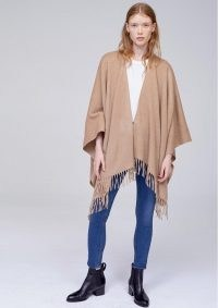 RAG & BONE CASHMERE PONCHO in CAMEL / light brown fringed ponchos / stylish autumn cover up