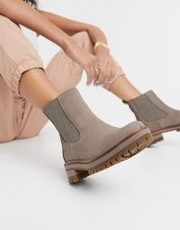 Timberland Courmayeur Valley heeled chelsea boots in taupe