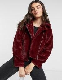 Vero Moda faux fur biker jacket in red | casual fluffy zip-up winter jackets