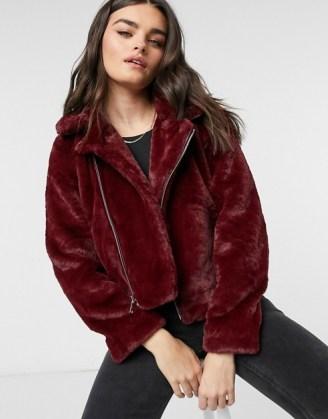 Vero Moda faux fur biker jacket in red | casual fluffy zip-up winter jackets - flipped