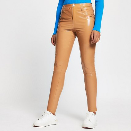 RIVER ISLAND Beige vinyl super fitted trousers / shiny pants