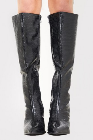 IN THE STYLE BLACK PATENT CROC PU CALF BOOTS – shiny crocodile effect boots