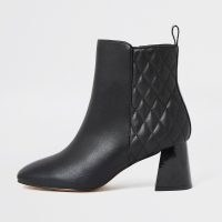RIVER ISLAND Black quilted block heel boots ~ quilt detail boot