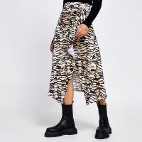 River Island Brown leopard print hem midi skirt – animal prints – neutral printed skirts