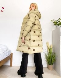 Jakke laura recycled polyester longline jacket with hood in tonal spot ~ big puffy winter coats