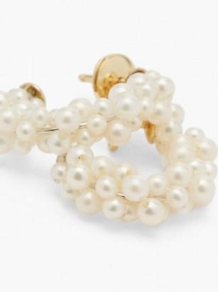 YVONNE LÉON Lady Pearl 18kt gold earrings / feminine jewellery / pearls - flipped