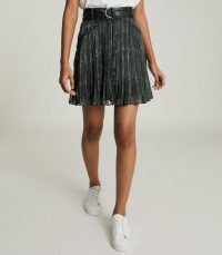 REISS ORIELLE SNAKE-PRINT MINI SKIRT BLACK PRINT / pleated floaty fabric skirts