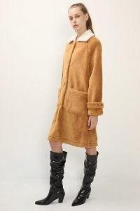 STORETS Brynn Contrast Collar Teddy Coat / brown textured winter coats