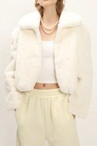STORETS Leah Fluffy Cropped Jacket / crop hem faux fur jackets
