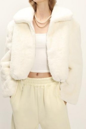 STORETS Leah Fluffy Cropped Jacket / crop hem faux fur jackets