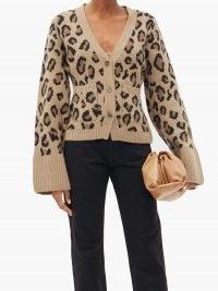 KHAITE Scarlet cheetah-jacquard cashmere-blend cardigan – flared sleeve cardigans – wild cat pattern knitwear