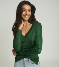 REISS SELENA JERSEY V-NECK TOP GREEN / fluid long sleeve tops / autumn colours
