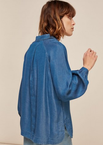 WHISTLES CHAMBRAY LONGLINE SHIRT / pull-over style shirts / lightweight denim - flipped