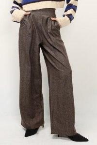 storets Dina Herringbone Pintuck Pants | brown wide leg trousers