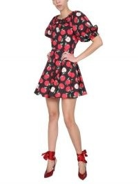 BOUTIQUE MOSCHINO ABITO MINI IN COTONE CON STAMPA MELE | puff sleeve fruit printed dresses | apple prints |