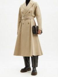BOTTEGA VENETA Double-breasted water-repellent canvas trench coat | beige belted flared raincoat