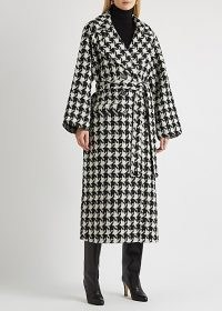 GESTUZ Unna houndstooth wool-blend coat ~ tie waist wrap coats ~ large dogtooth prints