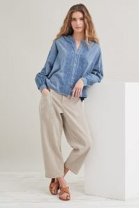 ANTHROPOLOGIE Embroidered Cotton Flare-Sleeve Blouse / floral embroidery / blue volume sleeve summer blouses