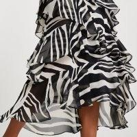 RIVER ISLAND Black zebra print maxi ruffle skirt – ruffled monochrome skirts